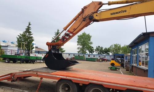 News Bucket for the KOMATSU excavator and repair of the arm